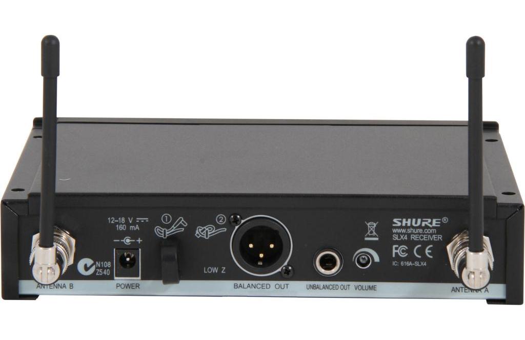 Bộ thu và phát kèm micro không dây cầm tay Shure SLX24A/Beta87