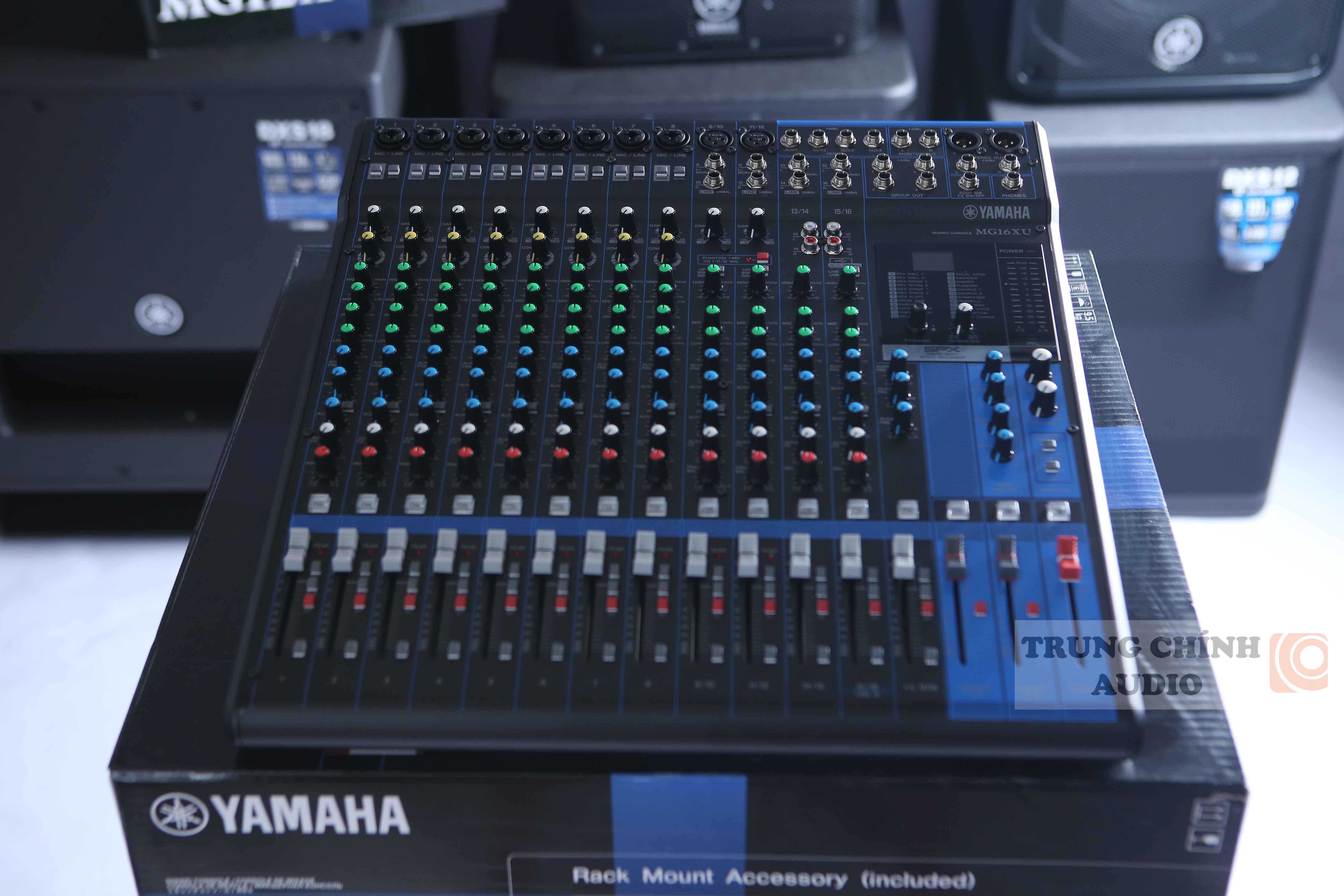 mixer Yamaha